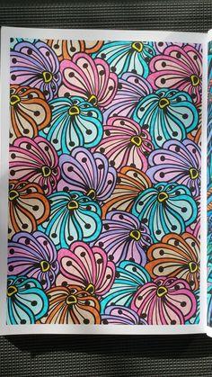 Coloriage issu du livre : 100 Nouveaux coloriages - Hachette loisirs - Art thérapie. Plus de détails sur Gribouilleuse.com