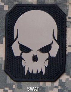 PIRATE SKULL 3D PVC TACTICAL MILITARY OPS BADGE US ARMY MORALE SWAT VELCRO PATCH