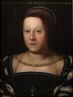 Catharina de' Medici ( 1519 – 1589) was koningin van Frankrijk van 1547 tot 1559. Zij was een dochter van Lorenzo II de' Medici, hertog van Urbino en huwde in oktober 1533 op 14-jarige leeftijd met de even oude Hendrik II van Frankrijk,  Zij was een listige vrouw, die tientallen jaren een hoofdrol speelde in de Hugenotenoorlogen. Godsdienstige overwegingen maakte zij ondergeschikt ter wille van de politieke macht.