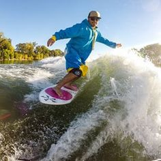This comes from the good people at Wake Island Water Sports. We wish we knew to whom the credit belongs, but the shot is too good to not share! #happihoodz #longhoodie #wakeislandwatersports #wakeboarding #surfsesh #byesummer #howisthatdudestilldry #wakesurfing #surfing