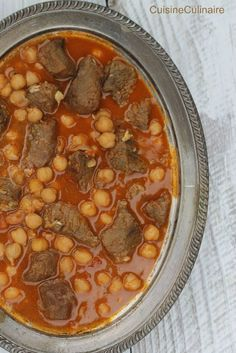 Chtitha lham ragoût de viande en sauce à l'algérienne Algerian Recipes, Algerian Food, Ramadan Recipes, Ramadan Food, Plats Ramadan, Ras El Hanout, Braised Beef, Roma Tomatoes, Canned Chickpeas