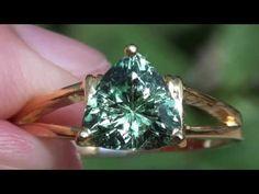 Merelani Mint Garnet 1.75ct 18ct Gold Ring