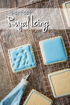 Royal Icing for Decorating: easy recipe, dries hard -Baking a Moment - Best royal icing recipe. So easy it's practically foolproof! Pipes smooth and dries hard. Royal Frosting, Sugar Cookie Royal Icing, Royal Icing For Piping, Royal Icing Transfers, Royal Icing Flowers, Icing Sugar Recipe, Meringue Powder Royal Icing, Fondant Flowers, Frosting For Piping