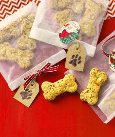 Cute, festive dog biscuits from King Arthur Flour Dog Treat Recipes, Dog Food Recipes, Cookie Recipes, Dog Bone Cookie Cutter, Cookie Cutters, Biscuit Mix, Puppy Treats, Dog Biscuits, Homemade Dog Treats