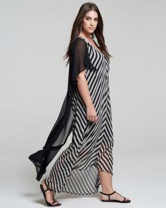 Maxi φόρεμα με graphic ρίγες και πτυχώσεις στα μανίκια — mat. XXL sizes — Γυναικεία Ρούχα, Μεγάλα Μεγέθη