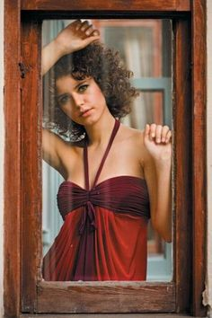 Beren Saat Photos - Beren Saat Picture Gallery - FamousFix - Page 121 Hatice Sendil, Turkish Pop, Actrices Hollywood, Turkish Beauty, Turkish Actors, Designing Women, Amazing Women, Actresses, Formal Dresses