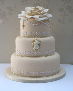 Start your own Wedding Cake Business! http://cakestyle.tv/products/wedding-cake-busines-serie/?ap_id=weddingcake - Cameo, lace and pearls #WeddingCake