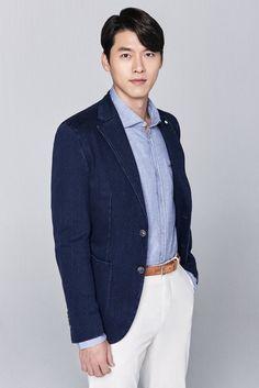Park Shin Hye and Hyun Bin in New Media Stills for Memories of Alhambra Hyun Bin, Park Shin Hye, Asian Actors, Korean Actors, Kdrama Actors, Handsome Actors, Korean Drama, Cute Couples, Actors & Actresses