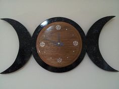 Triple Moon Clock with Howlite and Pentacles made from Maple and MDF Reclaimed Wood Size = 56x27cm or 22x10 and a half inches (approx) Weight = approx. 1.2kg $100AUD + Shipping Due to size and weight postage is expensive!! Shipping costs Australia $46 (this is an average for Australia but if postage works out cheaper we will refund the difference) New Zealand $46 US $70 Canada $70 UK $72 Germany $70 (if your country is not on the list and you want to purchase please message us) The ...