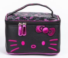 Hello Kitty Make-Up Case: Big Pink Bow
