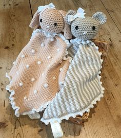 Animal taggy blankets - free crochet pattern