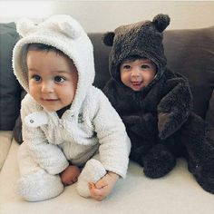 Discovered by XX. Find images and videos about girl, cute and amazing on We Heart It - the app to get lost in what you love. So Cute Baby, Cute Baby Twins, Cute Funny Babies, Baby Kind, Cute Baby Clothes, Baby Love, Cute Kids, Twin Babies, Little Babies