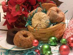 Adreanne's Gifts of Taste - Specializing in delicious Holiday gifts like: steamed pudding, english pudding, figgy pudding, plum pudding, liqueur cakes and Irish Whiskey cakes. Whiskey Cake, Irish Whiskey, English Pudding, Figgy Pudding, Caramel Pecan, Gourmet Desserts, Favorite Holiday, Bagel, Raspberry