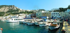 Marina Grande /Port of Capri/ Nikon Coolpix L310, 4.5mm,1/640s,ISO400,f/8.7, +0.3, panorama mode: segment 2 2015071511656
