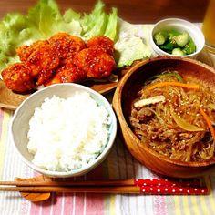 ヤンニョムチキンとチャプチェで韓流気分〜( *´艸`)箸休めのきゅうりも韓国風☆ご飯が進み、食べ過ぎた - 22件のもぐもぐ - 今日は韓国料理~☆ by decocake