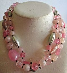 """VINTAGE ESTATE 18"""" MULTI STRAND/SILVERTONE/SHADES OF PINK LUCITE BEADED NECKLACE"""