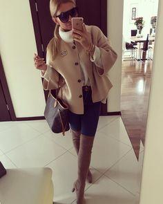 """Karolina Franek on Instagram: """"Dzień dobry w poniedziałek ! Dziękuje Wam za 40 tysięcy 🎉. Jesteście najlepsi ❤️ . . . Po intensywnym weekendzie chciałam się dziś wyspać…"""" Raincoat, Jackets, Instagram, Style, Fashion, Rain Gear, Down Jackets, Moda, Stylus"""