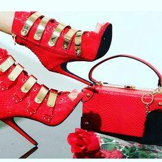 😍😍❤ Wet Pants, Valentino, Bag, Heels, Boots, Inspiration, Fashion, Purse, Heel