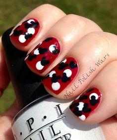 Nail Polish Wars: Mickey Mouse Mani. How Fun!
