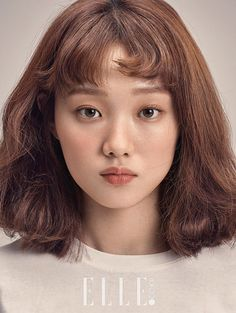 'Weightlifting Fairy Kim Bok Joo' lead female Lee Sung Kyung's popularity skyrocketed after her last drama. Her beauty and talent when it comes to acting was reco Korean Makeup, Korean Beauty, Asian Beauty, Kim Book, Korean Celebrities, Korean Actresses, Woman Face, Weight Lifting, Pretty People
