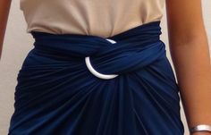 Cómo hacer una falda de moda sin coser - How to make a skirt stitch free  https://youtu.be/F_E31Ws9cho?list=PLemyWmGdwuSOadr85AUSy7Fvvt26iKvWo
