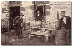 """Fromage à la carte (postale) : """"Fabrication actuelle du fromage du Cantal"""""""