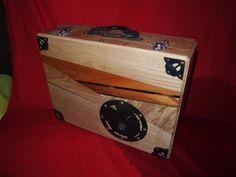 箪笥の金具を使用したアタッシュケース5 蝶丸金具 黒柿
