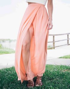 Shine brighter than the Hollywood sign as you strut in starlet style with the Peaches and Gleam Maxi Skirt.