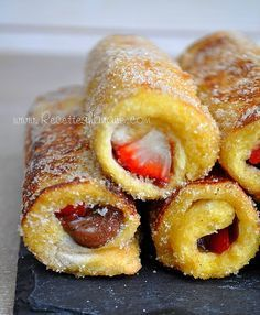 "Ache Perdu Roulé "" French Toast Roll Ups "" – Recettes by Hanane ache perdu roul… Köstliche Desserts, Delicious Desserts, Dessert Recipes, Yummy Food, Pain Perdu Nutella, French Toast Roll Ups, Nutella Fudge, Nutella Rolls, Roll Ups Recipes"