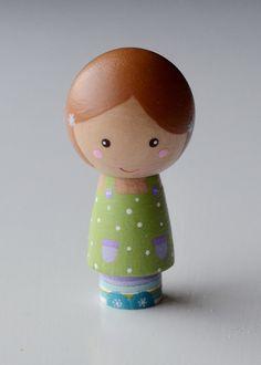 Wooden Kokeshi Peg Doll Girl Little Lucy van tinyhouselove op Etsy