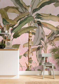Buy at Forest Homes this beautiful Tropical mural wallpaper in stunning shades of pink. A dreamy tropical jungle mural to create exquisite nature inspired looks. Luxury Wallpaper, Unique Wallpaper, Wallpaper Decor, Nature Wallpaper, Tropical Wallpaper, Pattern Wallpaper, Poster Xxl, Discount Wallpaper, Vines