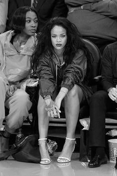 """""""Rihanna & Melissa Forde - LA Lakers Game, (01/15/2015) """""""