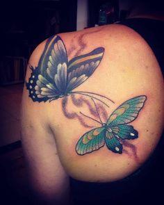 Tattoo y cover r! Gracias a Lore por el aguante! #alemerlostattoo #timetattoostudio #coveruptattoo #mariposastattoo #fuciontattoo #tattoomardelplata #butterflytattoo #tattotraditional #mitraditattoo TIME TATTOO! En mar del plata! Olavarría 2831