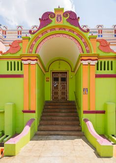 Steps up to the doorway - Karaikudi, Tamil Nadu, India. Photo: trekearth.com