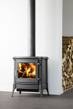 Nestor Martin S33 prachtige klassieke kachel met de modernste verbrandingstechnology. Staat eigenlijk in ieder interieur. Ook mooi met een schouw!