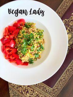 Červená ryža s karotkou a cukinou - Vegan Lady Vegan Vegetarian, Vegetarian Recipes, Risotto, Cooking, Ethnic Recipes, Lady, Food, Kitchen, Essen