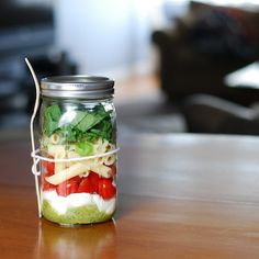 Caprese Pasta Salad in a jar. No more rushing around in the morning.
