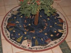 PRIMITIVE-HOOKED-RUG-PATTERN-CHRISTMAS-IN-NEW-ENGLAND-HUGE-TREE-SKIRT
