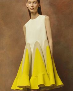 Thursday vibe🌻💛inspiration#fashion #style #styled #fashionforward #trending #fashion #styleblogger#delpozo #Erehfashion #idea💡 #africa #fashiondesign #outfit #fashionlike #fashionicon#girl #instagram #instafashion