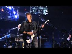 Bon Jovi - Who Says You Can't Go Home (Live from Madison Square Garden) 2008 - YouTube