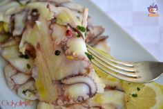 Carpaccio di polpo, un antipasto di mare leggero e delicato, semplice e molto gustoso.