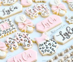 """Riddhi Shah on Instagram: """"Feeling all the cheetah vibes! Seriously this set turned out so cute!! #designercookies #decoratedcookies #decoratedsugarcookie…"""""""