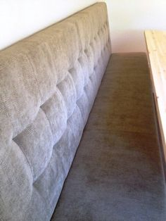 Meubelmaatwerk Company is dè specialist in kwalitatieve eetkamerbanken Kitchen Island Table, Simple Furniture, Upholstered Bench, Future House, Amsterdam, Mattress, Sweet Home, New Homes, Couch