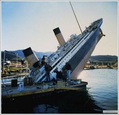 """A Behind-the-scenes Look at the Making of """"Titanic""""- tipping over"""