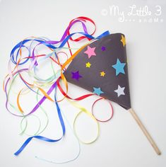 Whether it's New Year's Eve, 4th July, Bonfire Night or a birthday, kids can enjoy seeing fireworks again and again with this fun POP-UP HOMEMADE FIREWORK CRAFT.