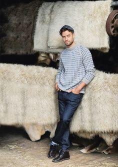 Damkofta med rundstickat ok Nordic Sweater, Men Sweater, Pull Jacquard, Knitted Shawls, Knitting Designs, Ikon, Color Patterns, Lounge Wear, Fur Coat