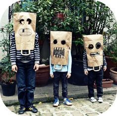 You are in the right place about diy carnival mask Here we offer you the most beautiful pictures about the diy carnival mask you are looking for. Sac Halloween, Maske Halloween, Halloween Crafts, Happy Halloween, Halloween Party, Costume Halloween, Cardboard Costume, Cardboard Mask, Diy Carnival