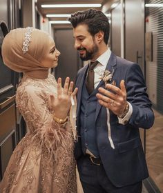 "Patience that everything you want to mind . ♥ ""Do not forget to say Mashallah"" Verlobung 💍 💍 Wedding Couple Poses Photography, Wedding Poses, Wedding Photoshoot, Wedding Couples, Hijabi Wedding, Muslimah Wedding Dress, Muslim Wedding Dresses, Hijab Mode, Boyfriends"