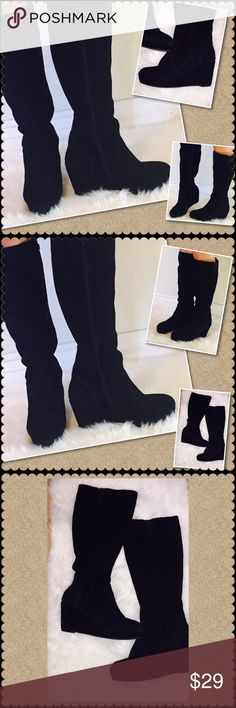 "Steve Madden Tall high wedge boots Sz 10😲FINAL Steve Madden tall boots style is Ashleey black leather upper in a women's US Sz 10. The heel is about 4"" in height and they are very comfortable. They have zipper sides, They have been gently pre loved in good condition, minimal scuffing. ❤️ I gladly bundle, coming from a pet/smoke free area. Steve Madden Shoes Heeled Boots"