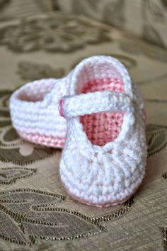 Crochet Baby Booties - 55 Free Crochet Patterns for Babies - DIY